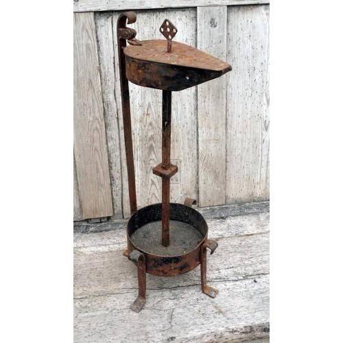 Iron table oil lamp shaped