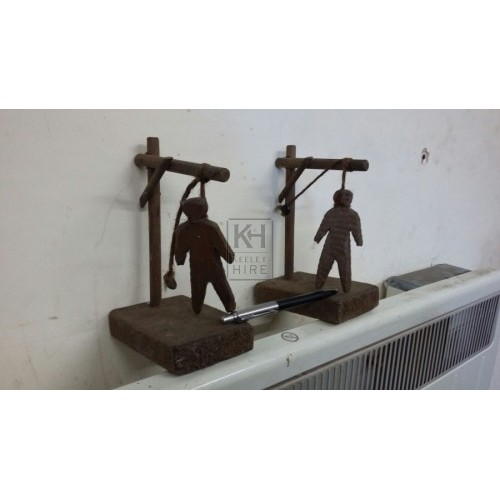 Wood hangman small