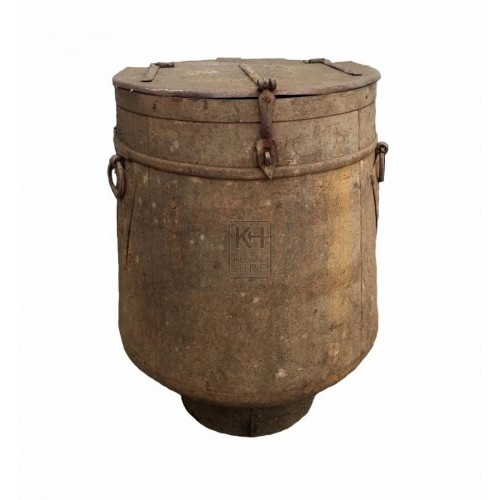 Large period metal churn