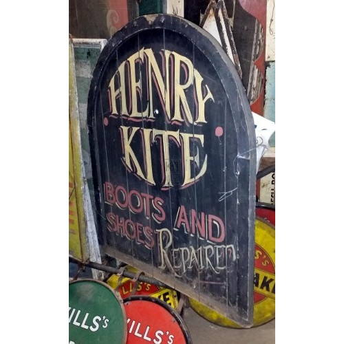 Henry Kite Boots & Shoes sign