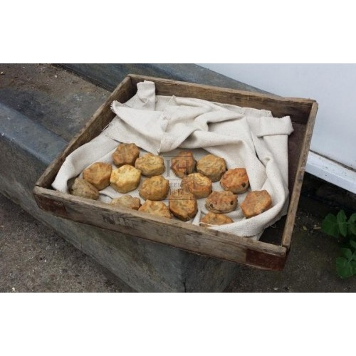 Wood tray with 16 scones
