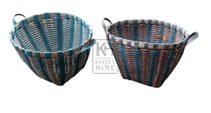 Large 2-handle plastic basket