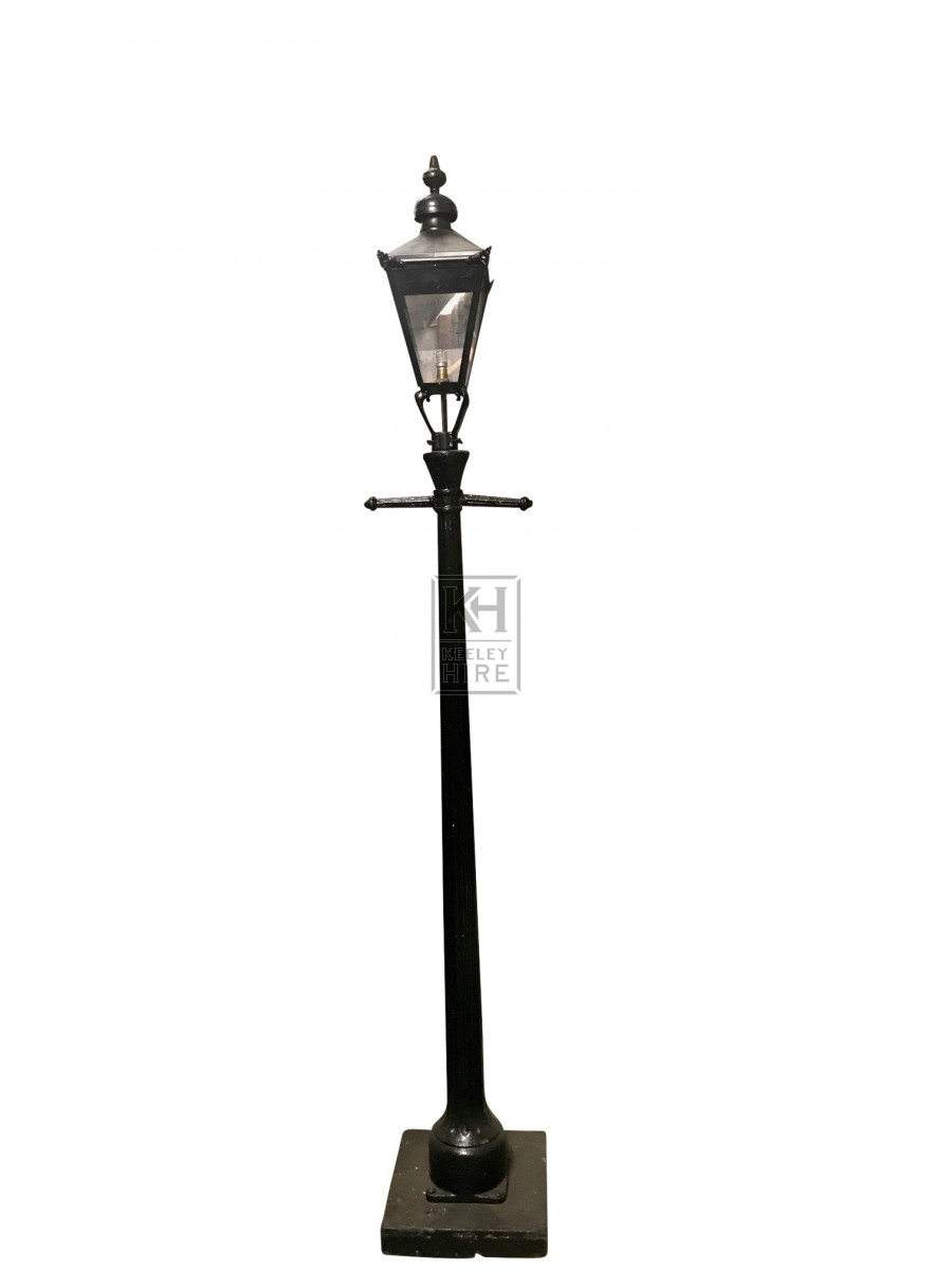 8ft Metal T Bar Lamppost