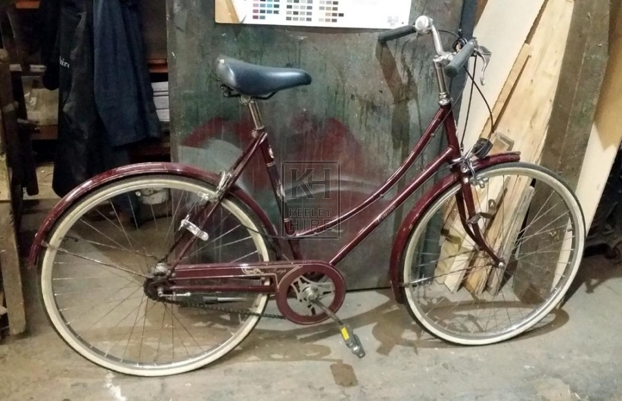 Burgandy ladies bicycle white tyres