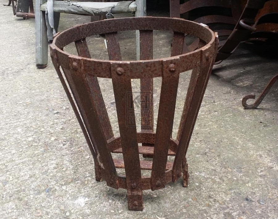 Small low iron braziers