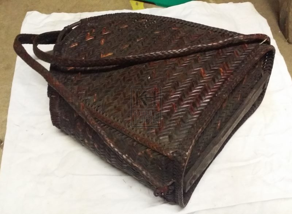 Dark rattan woven bag
