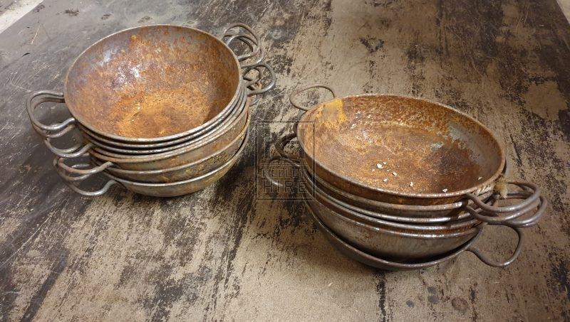 Small 2-handle metal bowl