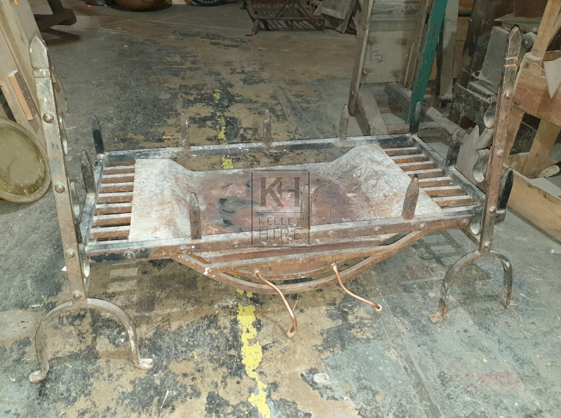 Large spiked iron firegrate