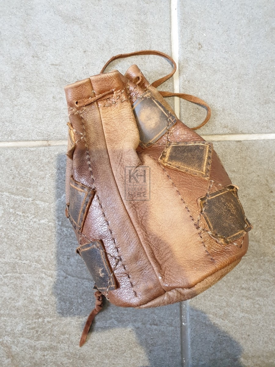 Detailed leather drawstring pouch