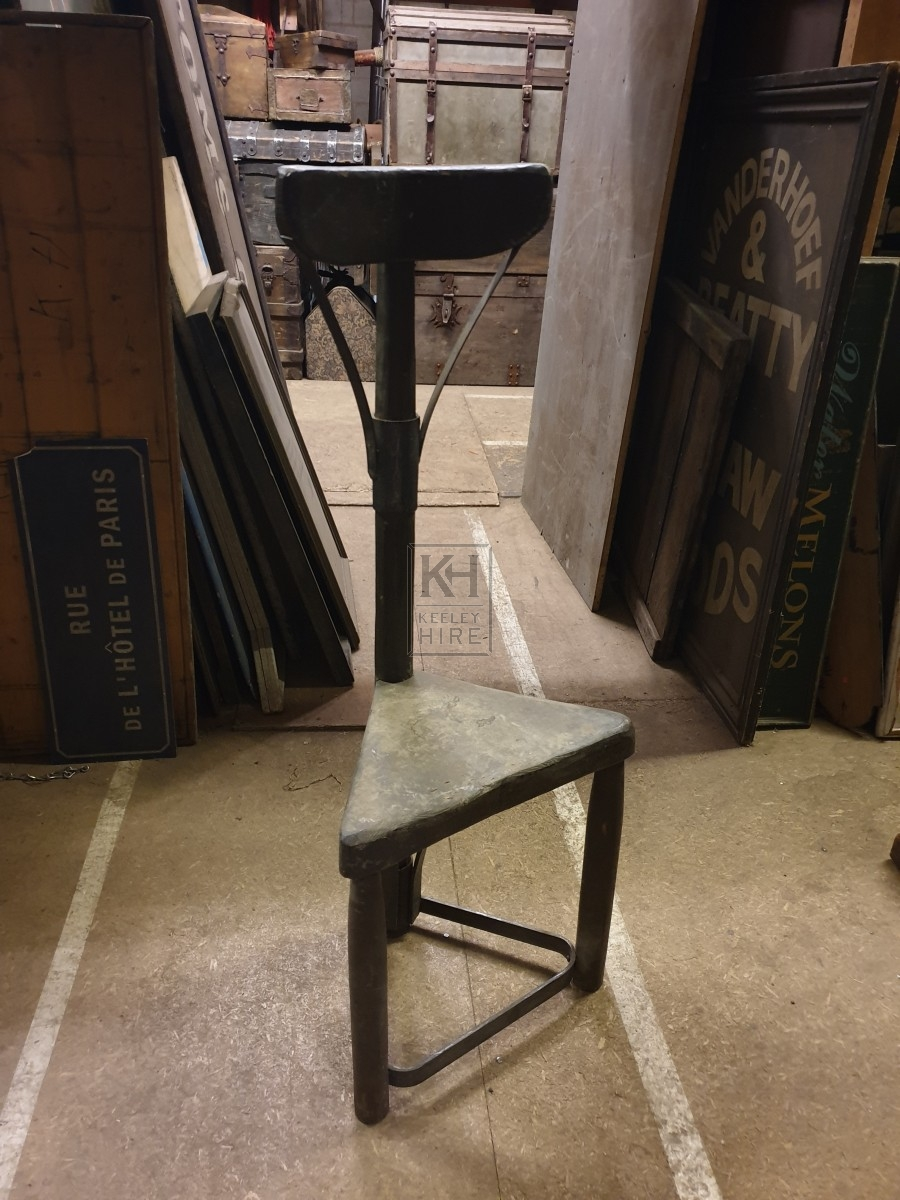 Triangular chair with back