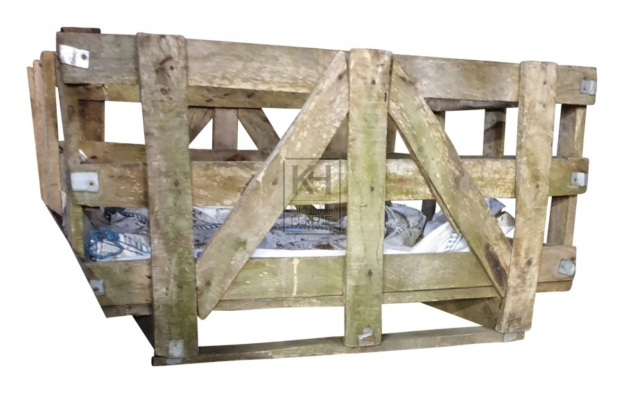 Large wood pallet crate