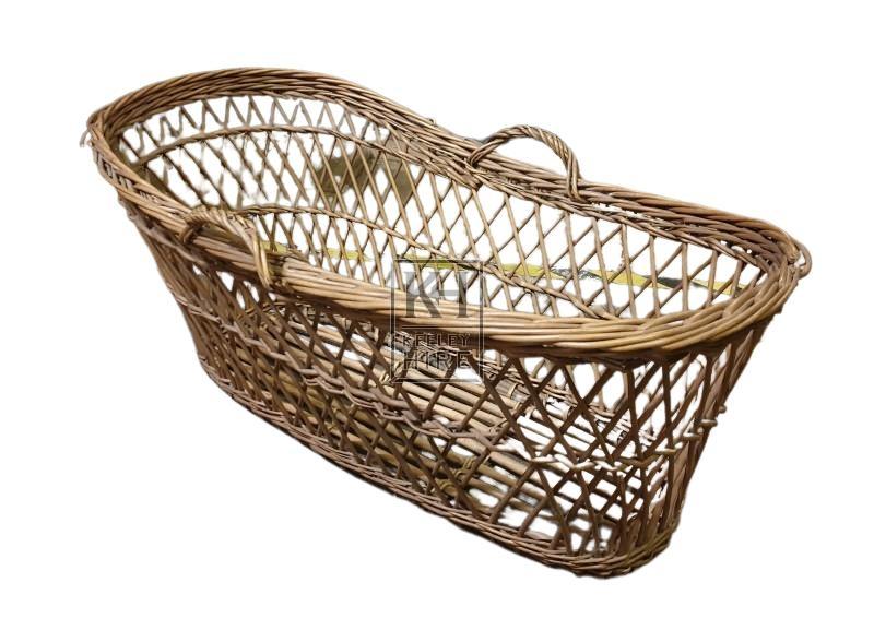 Woven moses basket