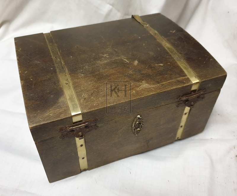 Small plain chest with bands