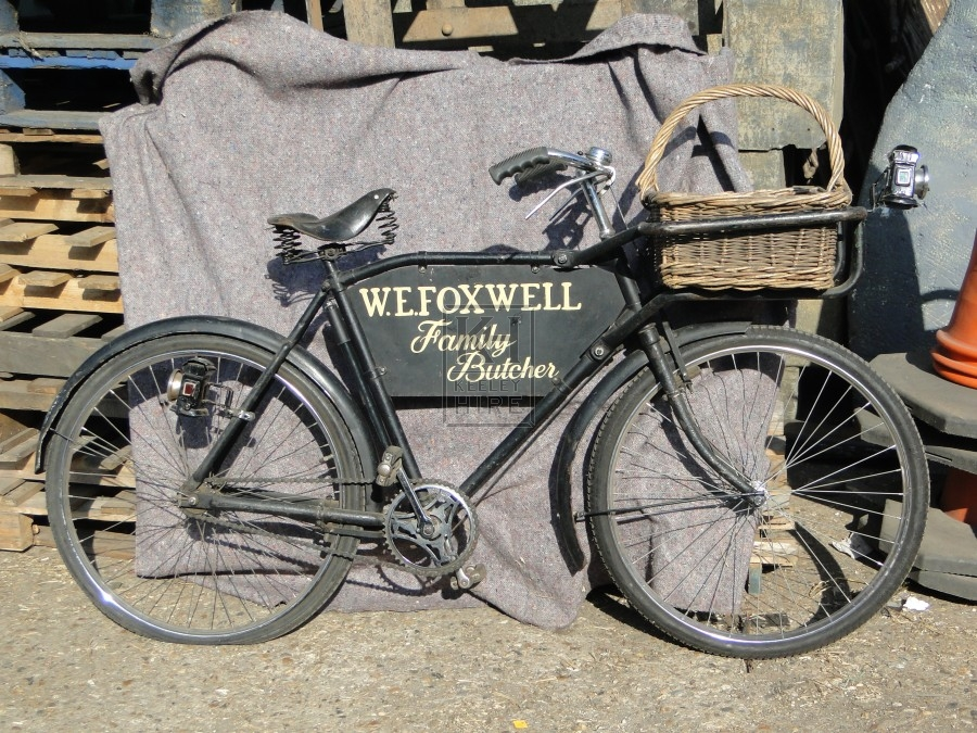 WE Foxwell Trades Bicycle