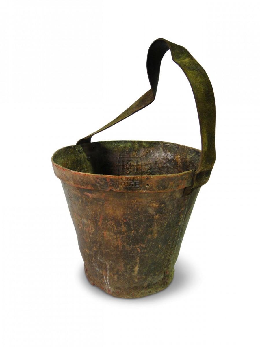 Fibreglass Bucket with Leather Handle