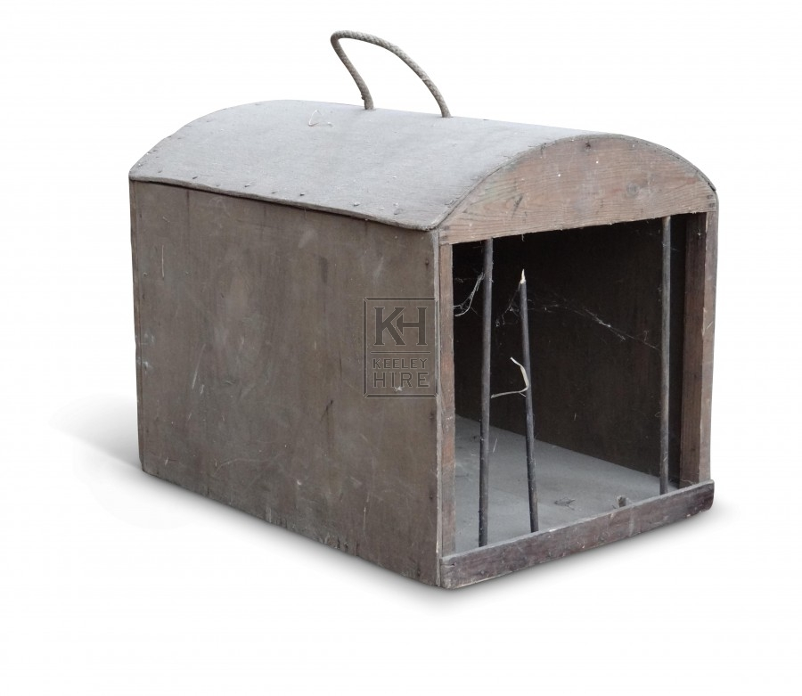 Cage with closed sides