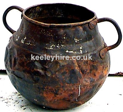 Shaped Pot With 2 Handles