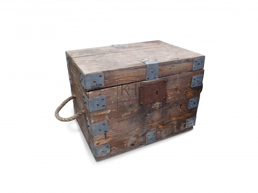 Rectangle wood chests with rope handles