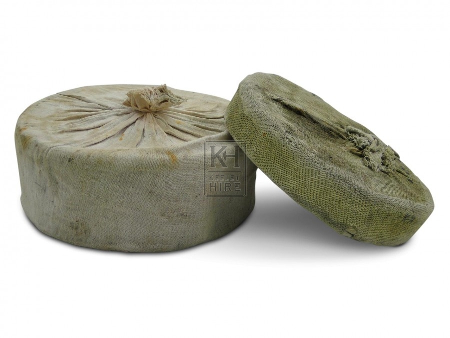 Cheeses in Muslin
