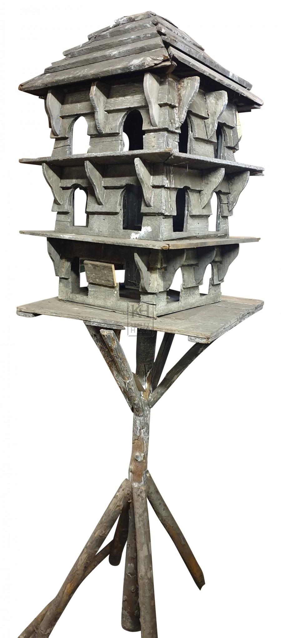 Floor-standing wooden Dove cot