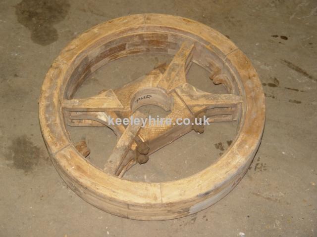 Cheese press wheel