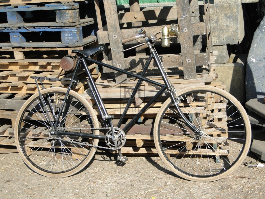 Early cross frame bicycle