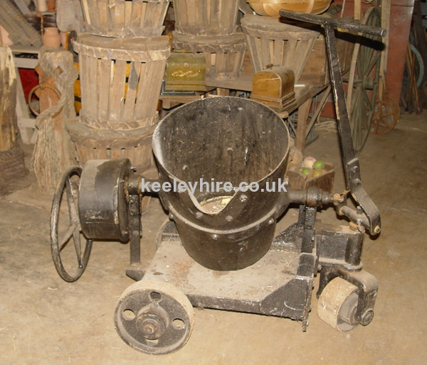 3-wheel trolley with tilting pot