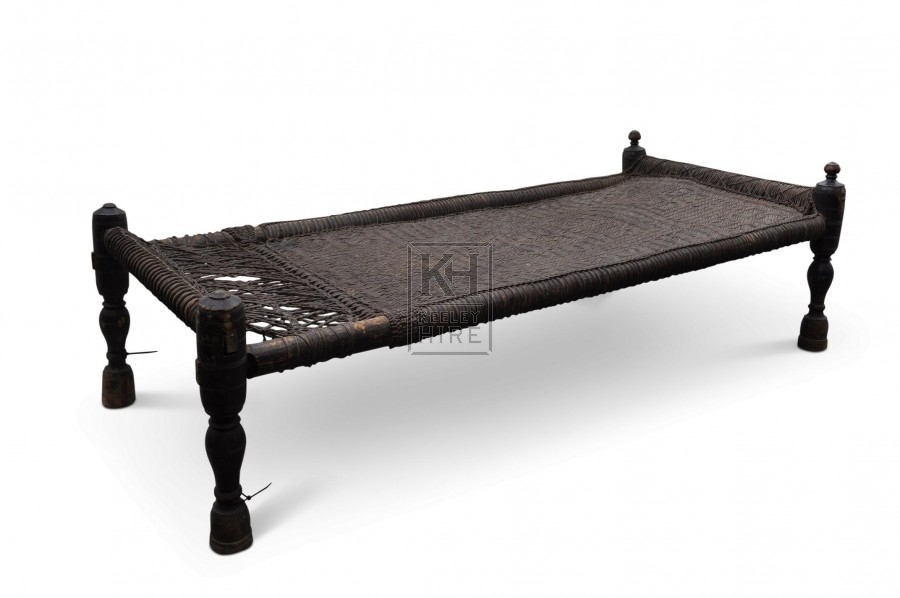 Bed - Woven rattan