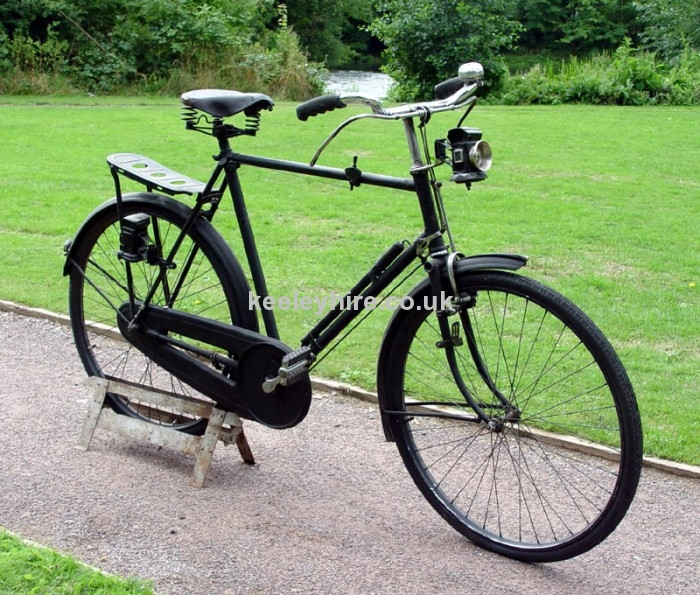 1920s Gentlemens bicycle with chainguard