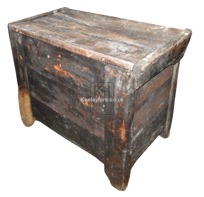 Rough flat top wood chest