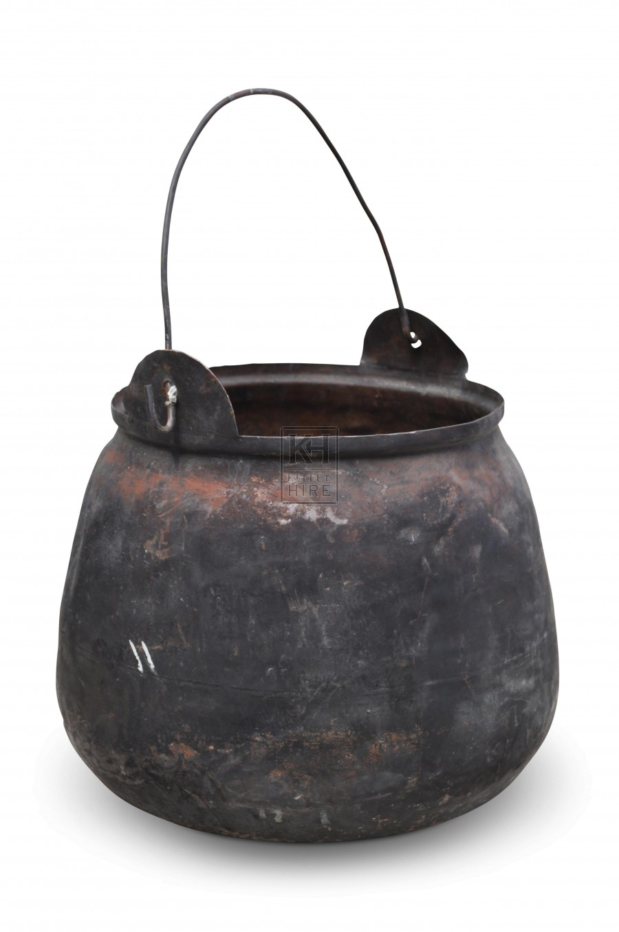 Iron cooking pot with wire handle