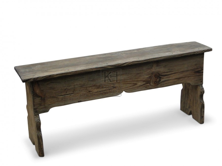 Box bench with curved details