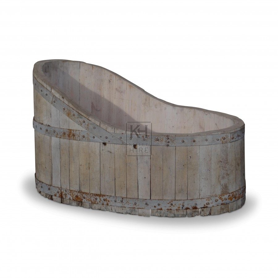 White Wooden Bath Tub with Iron Banding