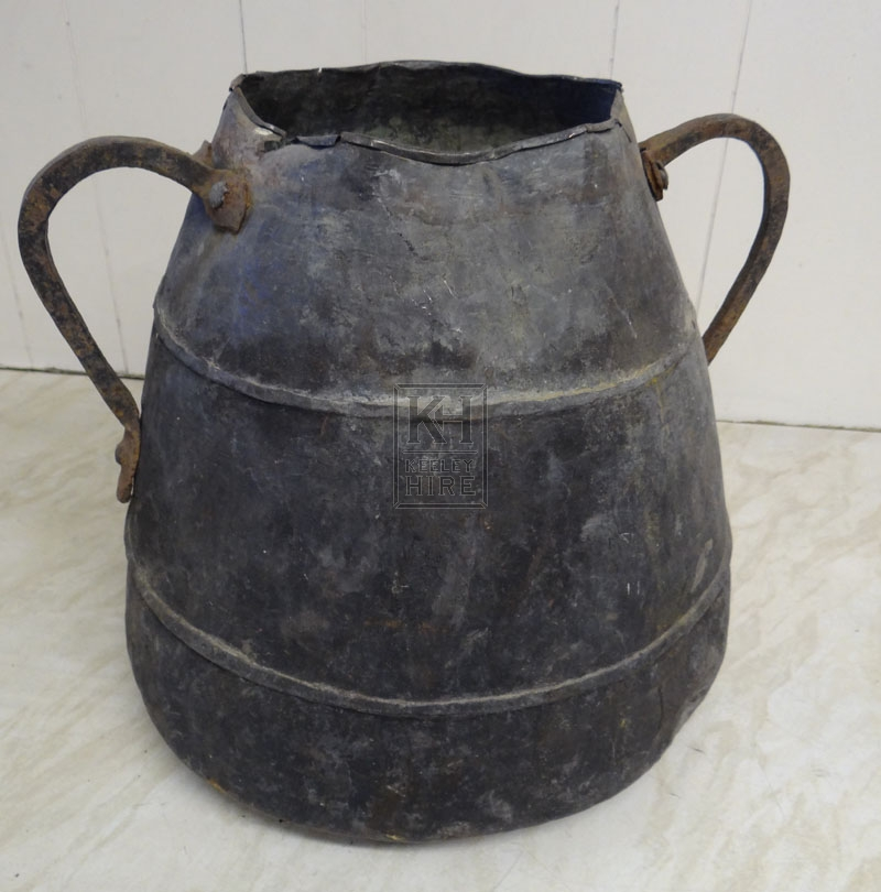 Beaten iron pot with handles