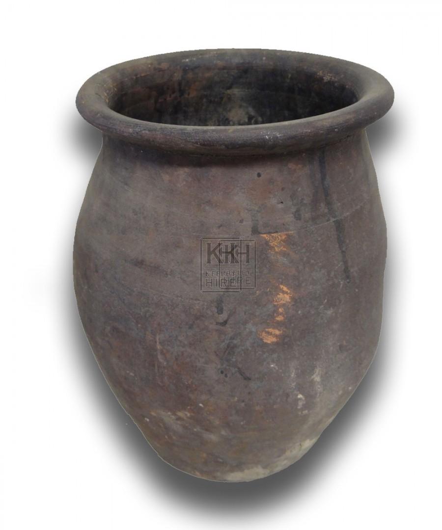 Medium earthenware pot