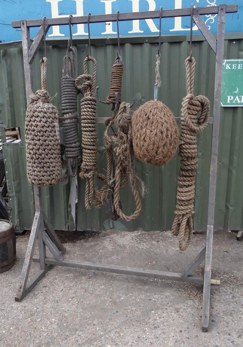 FS wood rack with rope & fenders