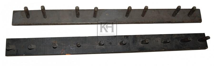 Dark Wood Plain peg Rack