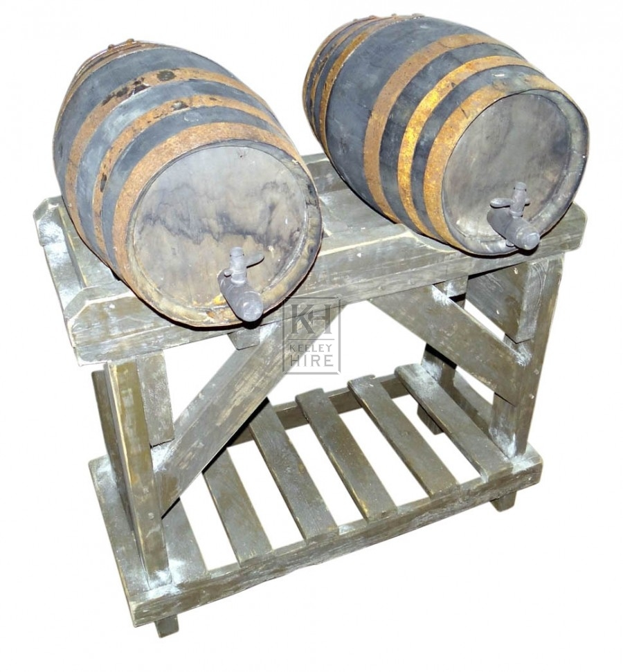 Double barrel stand with 2 barrels