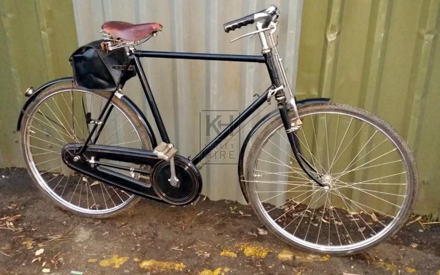 Gentlemens black bicycle with satchel