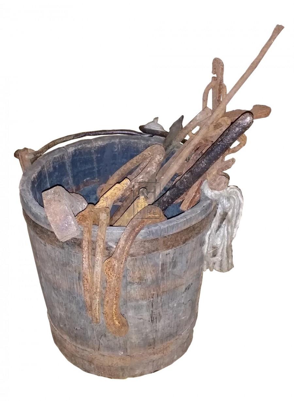 Wood bucket of iron work