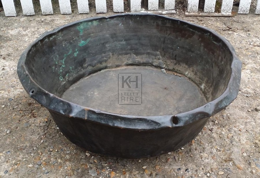 Very large shallow copper pan