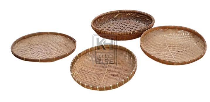 Shallow woven tray