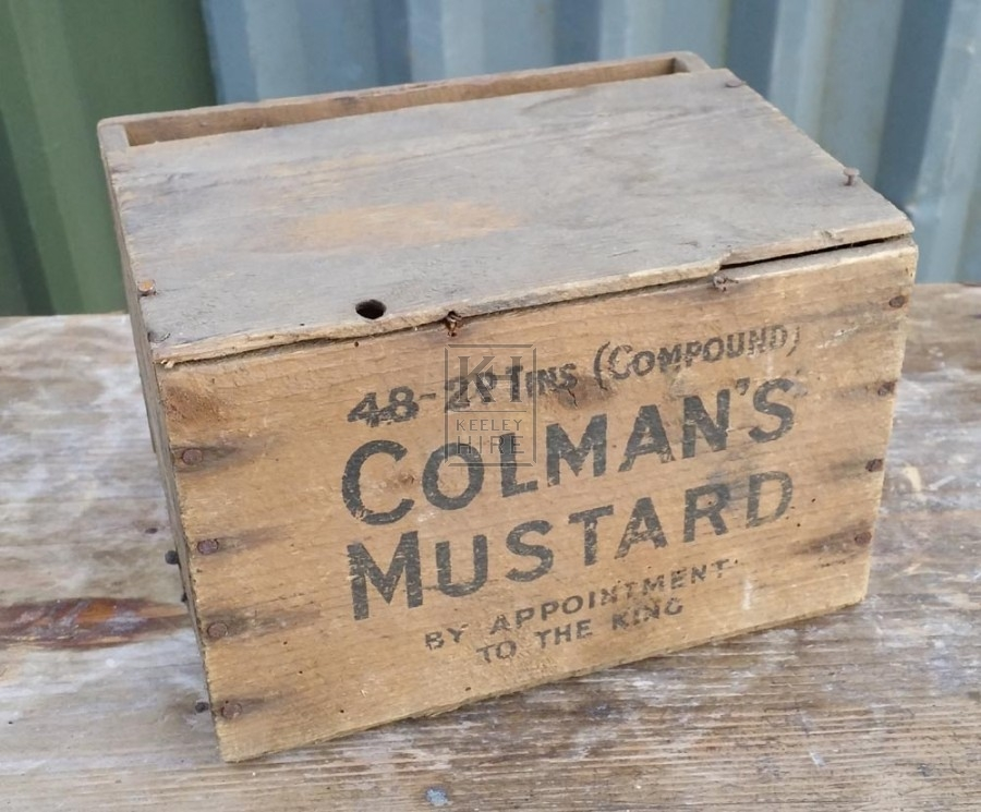 Very small wood provisions crate