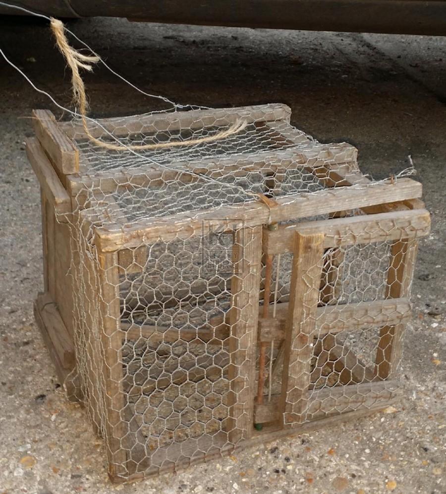 Wood & mesh bird cage