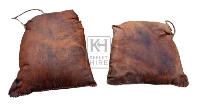 Large leather bundle