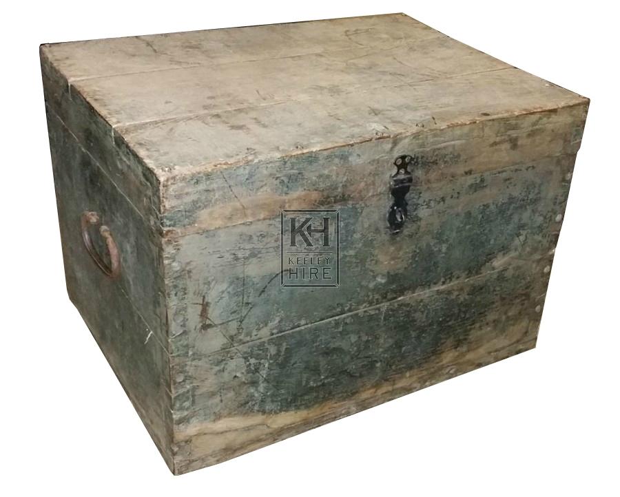 Flat top light wood chest