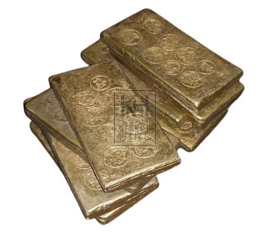 Thin gold bars