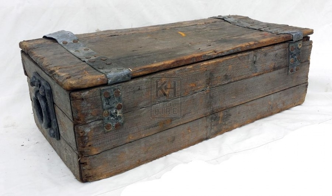 Medium grey wood chest - flat top
