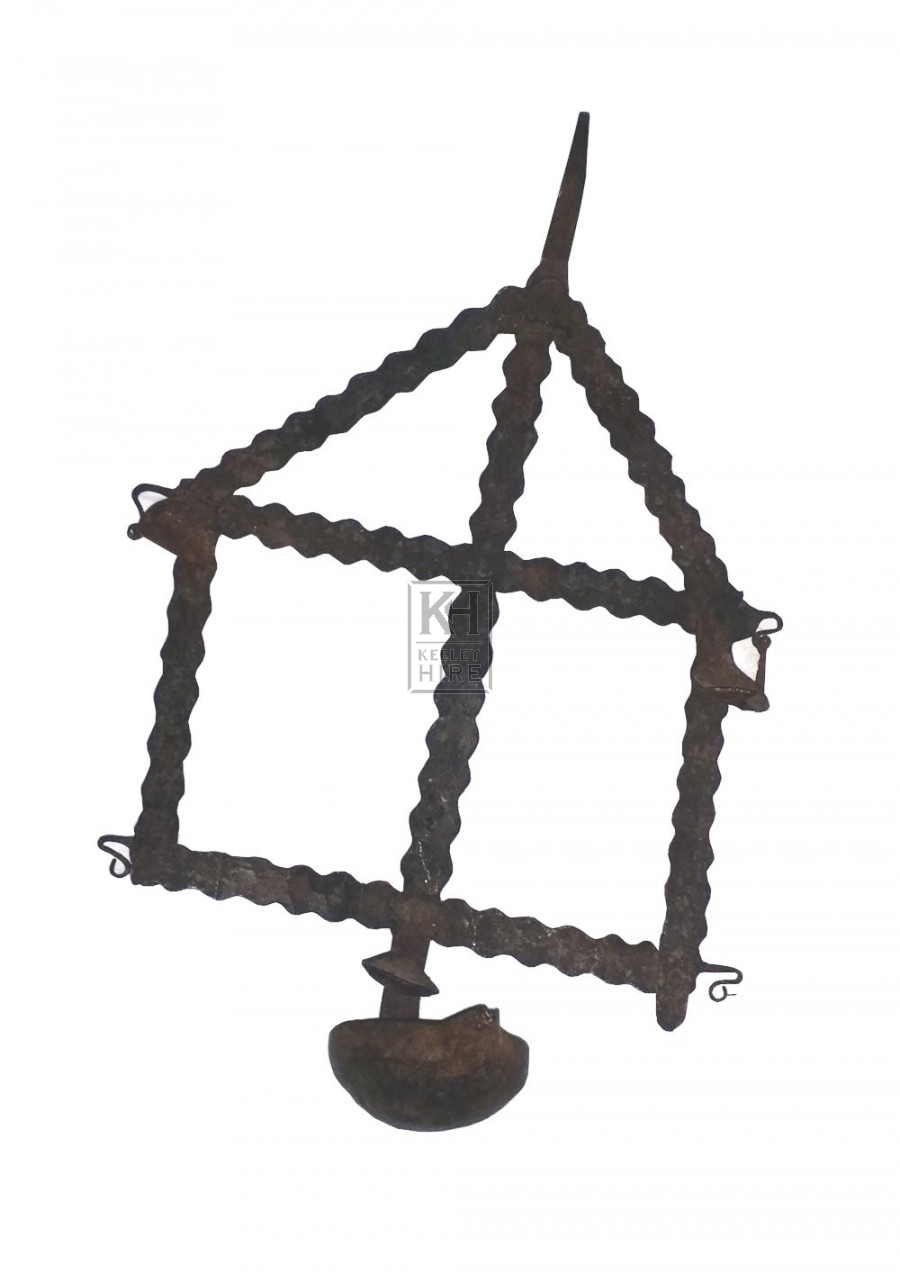 Pointed wall hanging iron candle holder