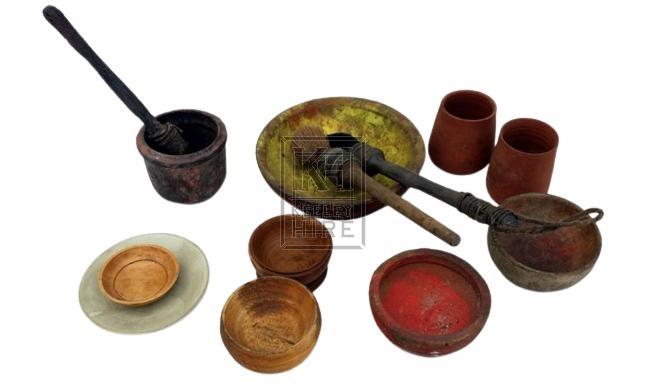 Selection of paint pots & pieces